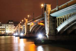 low light photography southwark bridge